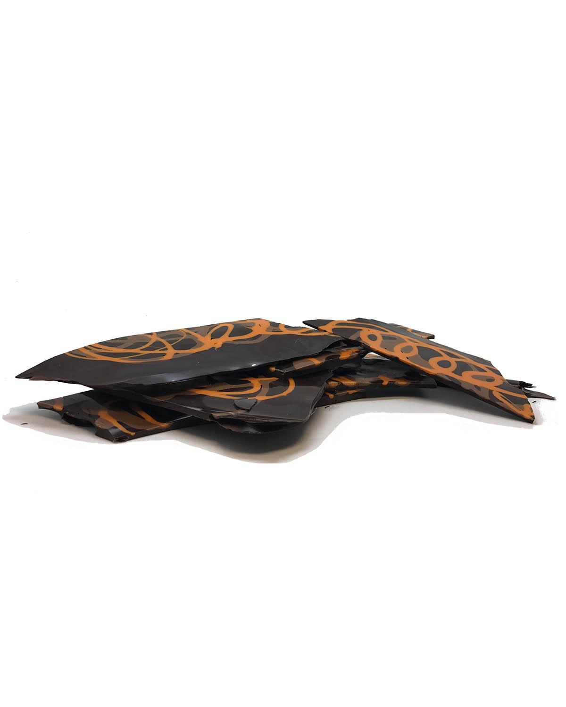 Placa de chocolate negro, naranja y caramelo